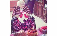 خانم (کنار بوح جلیان) نجات یافته از نسل کشی ارمنیان 107 سالگی خود را جشن گرفت.