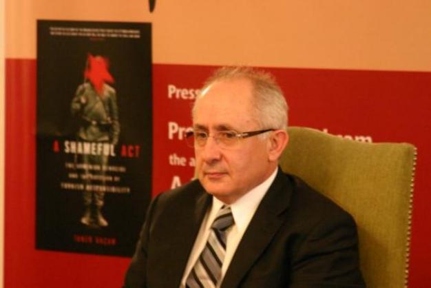 تانر آکچام نویسنده و مورخ ترک:در ترکیه آرشیوهای دولتی و اسناد مربوط به نسل کشی ارمنیان پاکسازی شده است