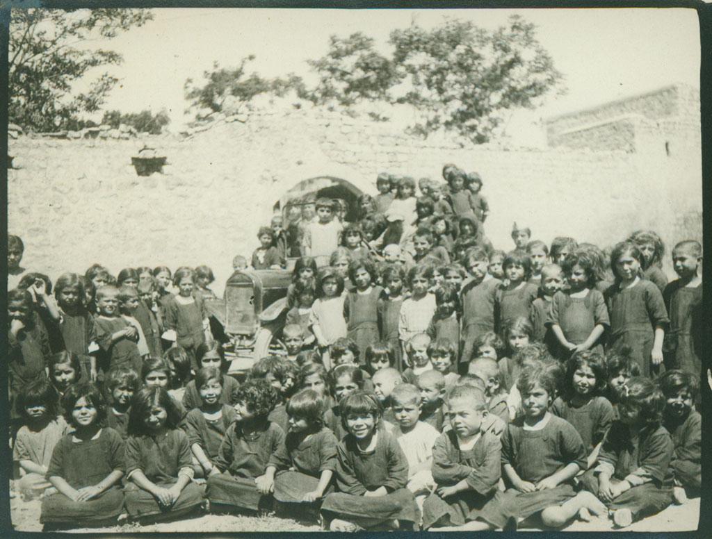 سرنوشت یتیمان ارمنی و باقی مانده از نسل کشی ارمنیان حد فاصل سالهای 1914 تا 1922 میلادی