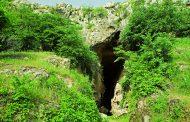 دی ان ای یک دندان 7 هزار ساله کشف شده در غار آزوخ،آرتساخ کاملا با ارمنیان امروزی مطابقت دارد.