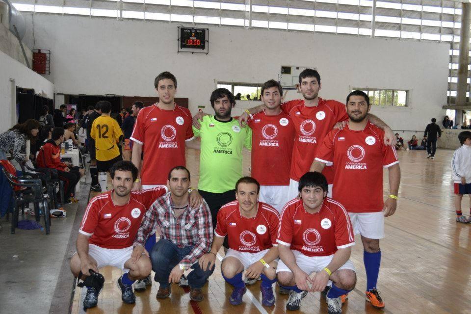 """تیم فوتبال محلی ارمنی های سانتیاگو به نام """"Deportivo Armenio"""" در بازی های سنتی ناواسارتیان"""