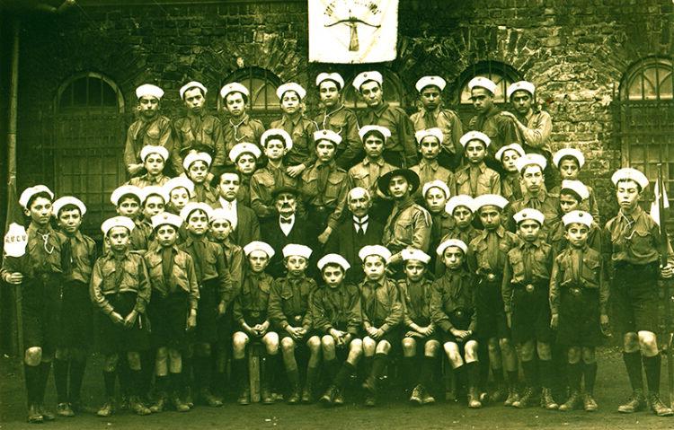 نقش مقر خلیفه گری کليسای ارمنيان استانبول در نجات يتيمان باز مانده از نسل کشی ارمنيان