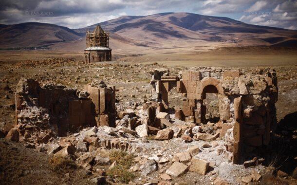 مقاله محقق ترک در مورد شهر باستانی ارمنیان «آنی» آيا اين ويرانه های شهر تاريخی آنی است،يا قبر آنی؟