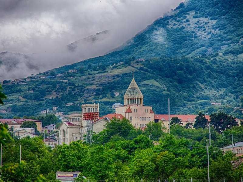 The Conversation قراباغ کوهستانی فصلی مهم در تاريخ هنر ارمنستان است.